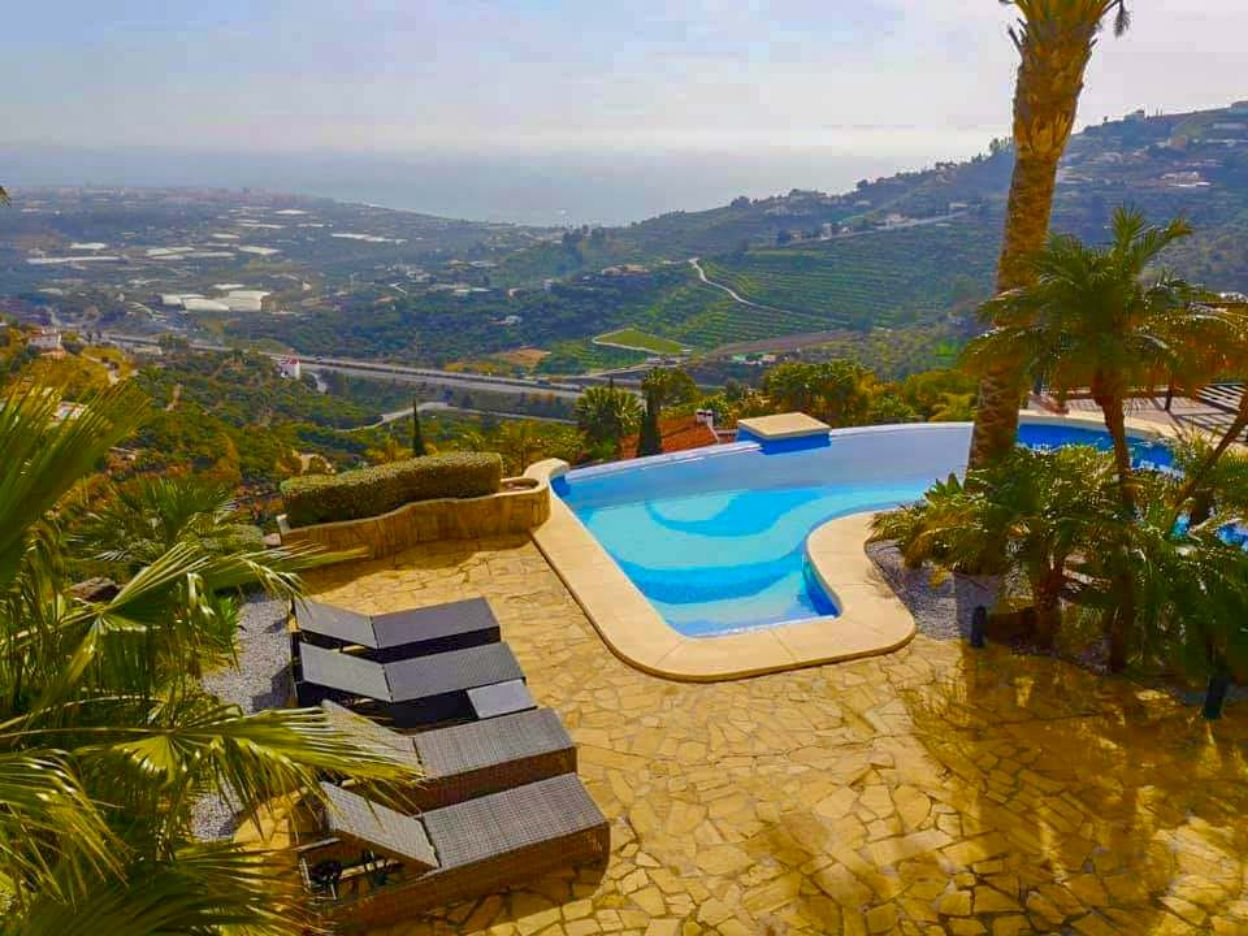 Villa with views Nerja